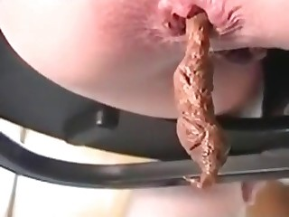 Very juicy-looking turd load
