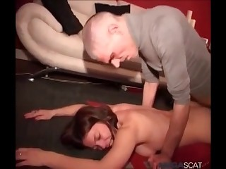 Daddy is shitting on a young babe